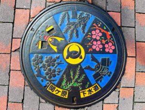 Japanese-manhole-cover-art-16