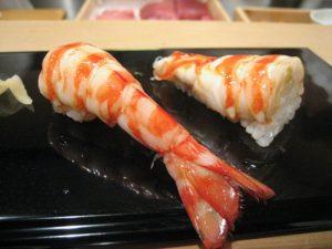 tiem-sushi-chi-co-10-ghe-ma-beckham-obama-cung-phai-xep-hang-ghe-tham-kuruma-ebi-1475826643-width500height375