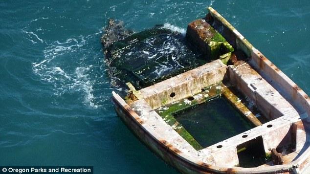 """Tại sao có nhiều thuyền """"ma"""" trôi dạt vào bờ biển Nhật Bản?"""