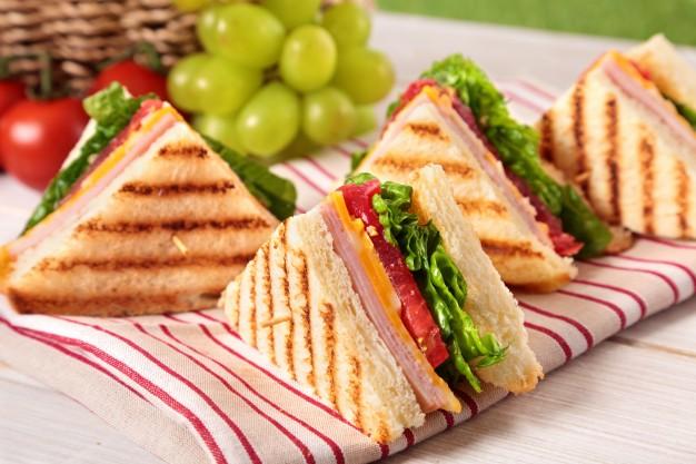 Sự thật bên trong chiếc bánh Sandwich giá 4 triệu đồng thu hút giới sành ăn