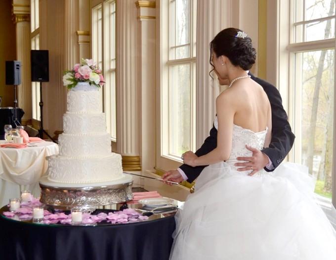 Quên đám cưới của Otaku đi – Kết hôn với diễn viên phim người lớn mới là điều đàn ông muốn