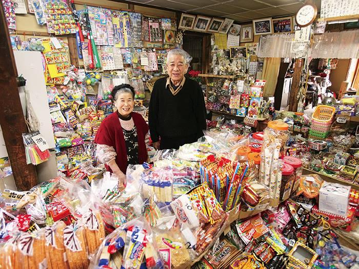 """Vào cửa hàng mua kẹo, các em nhỏ Nhật Bản được dạy bài học đạo đức """"nhớ đời"""""""