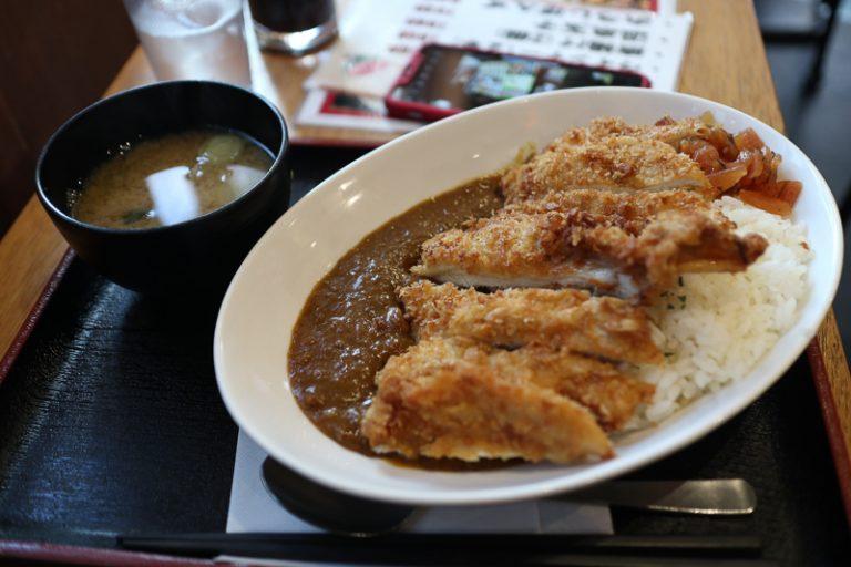 Cơm trưa văn phòng ở Nhật – không những rẻ mà còn ngon đến mức cả nhân viên bận rộn nhất cũng phải xếp hàng chờ mua