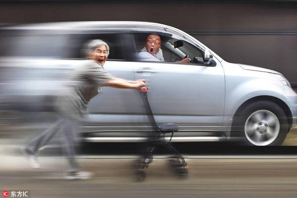 Kỹ năng chụp ảnh hơn cả đỉnh của cụ bà 90 tuổi Nhật Bản khiến bạn phải giật mình xấu hổ