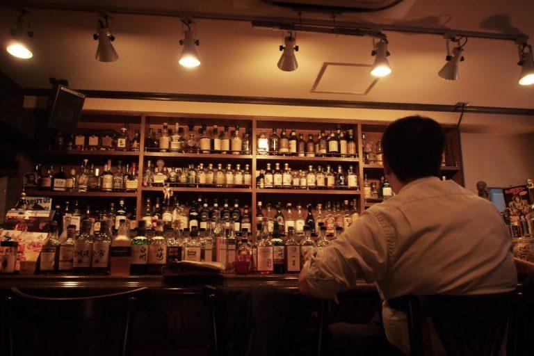 """Bài học rút ra từ câu chuyện """"đáng sợ"""" trong quán bar của người dùng Twitter Nhật Bản"""