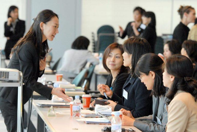 """Bạn đã biết được bao nhiêu """"loại"""" nhân viên văn phòng ở Nhật?"""