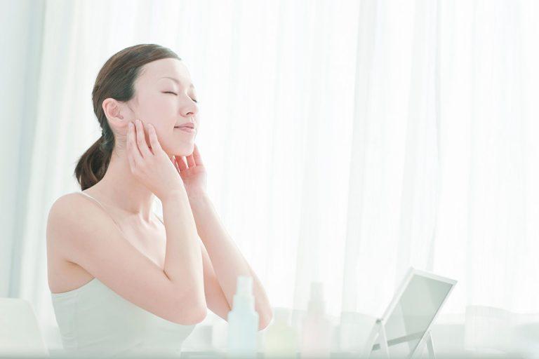 """Toner – Sản phẩm dưỡng da mang lại """"làn da hạnh phúc"""" cho các cô nàng Nhật Bản"""