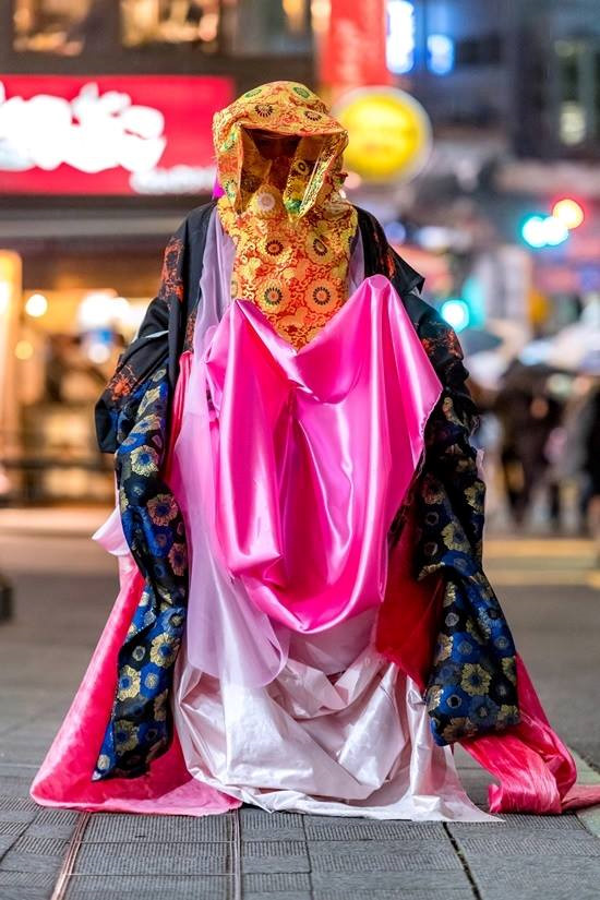 """Giới trẻ Nhật """"lên đồ"""" tại Tuần lễ thời trang Tokyo: vẫn dị và độc như từ đấy đến giờ"""