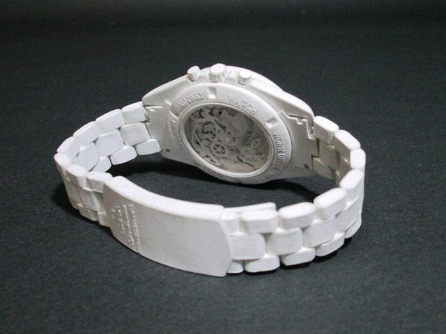 """""""Tá hỏa tam tinh"""" với những chiếc đồng hồ bằng giấy đắt hơn đồng hồ thật?"""