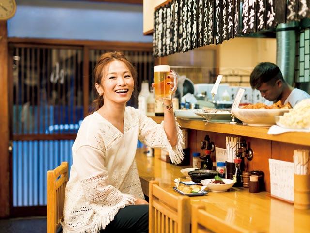 """Văn hoá """"ăn ngoài"""" của người Hàn và người Nhật: Ăn một mình chứng tỏ bạn bất bình thường?"""