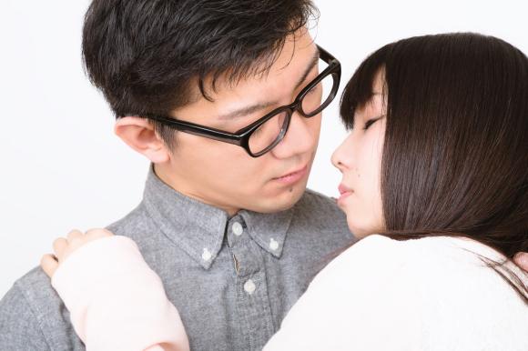 Khảo sát về thời điểm của nụ hôn đầu tiên ở nữ giới Nhật, bất ngờ với kết quả chênh lệch giữa các thành phố