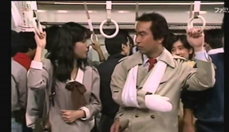 """Bị vu khống là biến thái trên tàu điện và đây là cách xử lý vô cùng """"gắt"""" của người đàn ông…"""