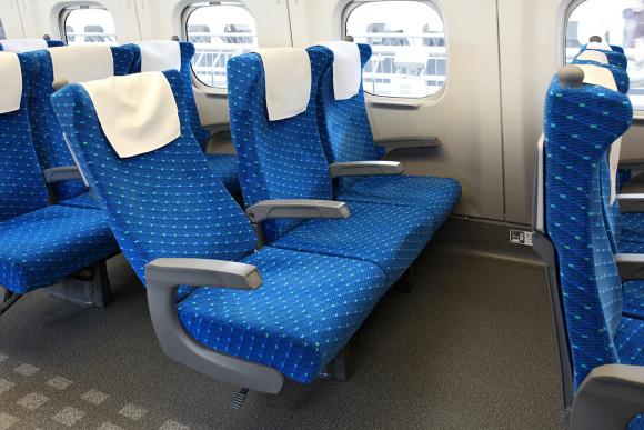Từ vụ hỗn chiến kinh hoàng trên Shinkansen, nhiều hành khách đã bảo vệ mình bằng cách này