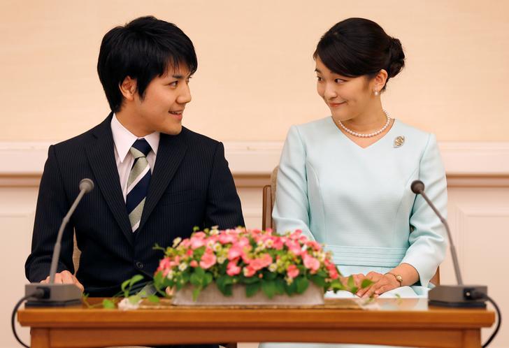 Cha mẹ của công chúa Mako yêu cầu phía nhà trai giải quyết vấn đề tài chính gia đình