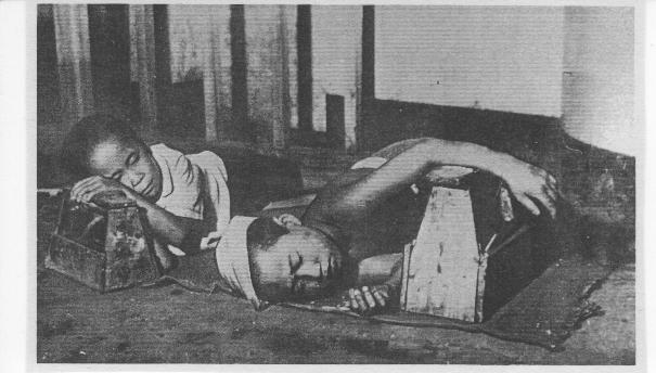 Số phận của hơn 1000 đứa trẻ ẩn nấu bên trong nhà ga Ueno sau Thế Chiến