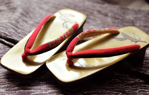 4 đôi dép truyền thống kiểu Nhật, bạn đã biết cách phân biệt chưa?