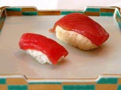 Tại sao Sushi ngày nay to gấp 4 lần so với Sushi thời xưa?