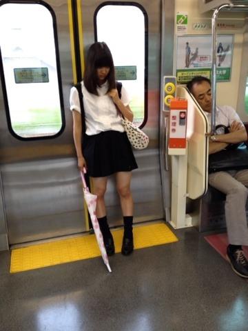 """Kỳ lạ thay, chỉ cần…đứng thôi, người Nhật cũng khiến cho thế giới thấy rằng:""""Đất nước này thật vội vã"""""""