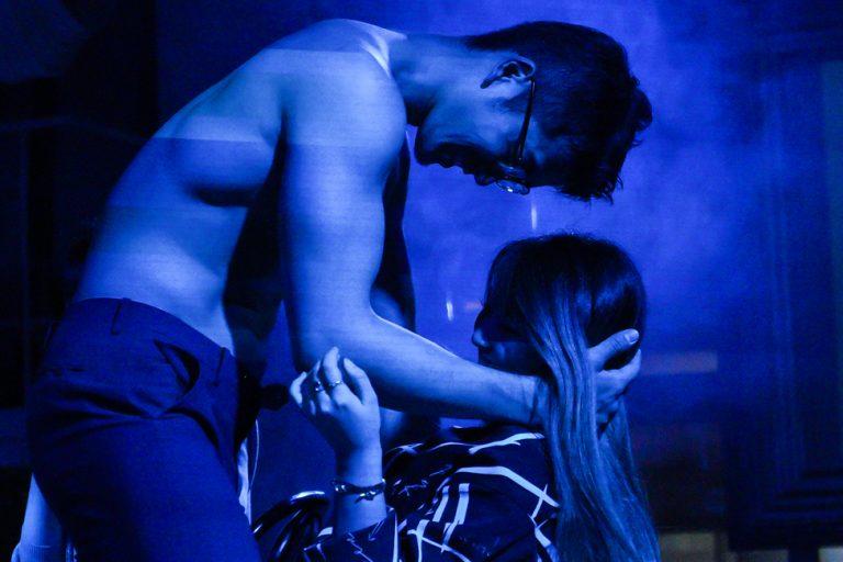 Hai tiếng thác loạn tại 'Men's Sexy Show- địa điểm chơi đêm 'nóng bỏng' của hội chị em phụ nữ Nhật Bản