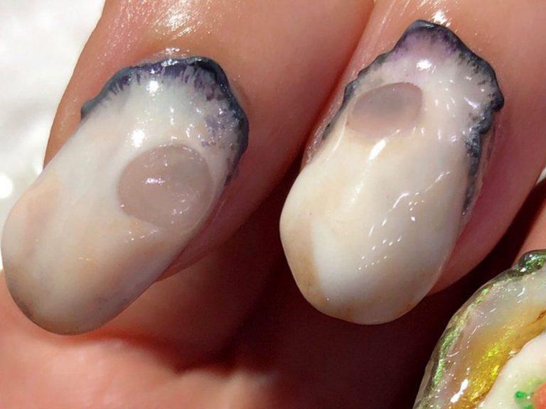 Hoá ra 'quả móng tay' hình con hàu này là tác phẩm vinh danh đặc sản Hiroshima