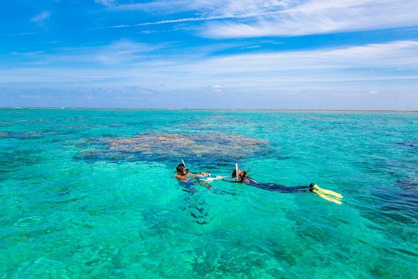 """Bí ẩn về hòn đảo """"người cá"""" và lễ hội cấm người ngoài mạo phạm"""