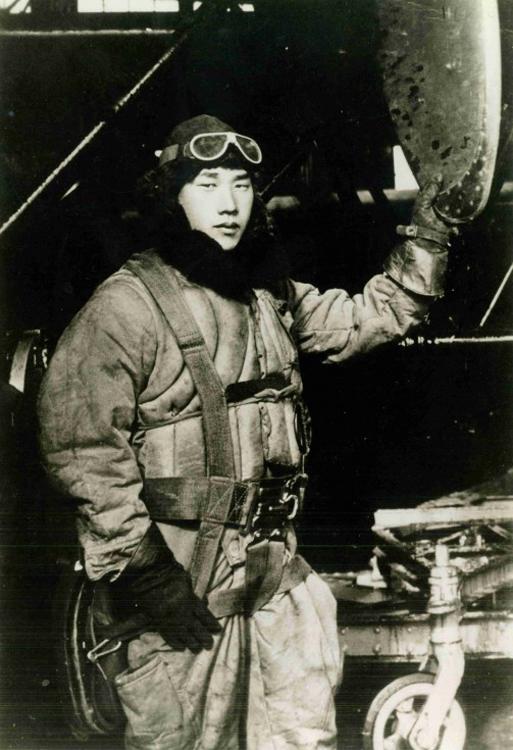 Chính phủ Mỹ khen thưởng phi công Nhật đã ném bom tàn phá nước Mỹ?
