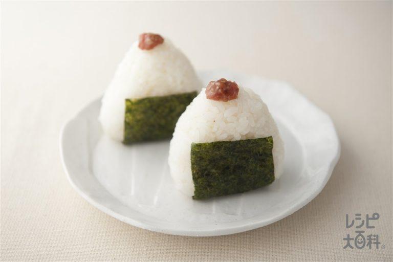 [KHẢO SÁT] 10 loại Onigiri nên thử khi đến Nhật