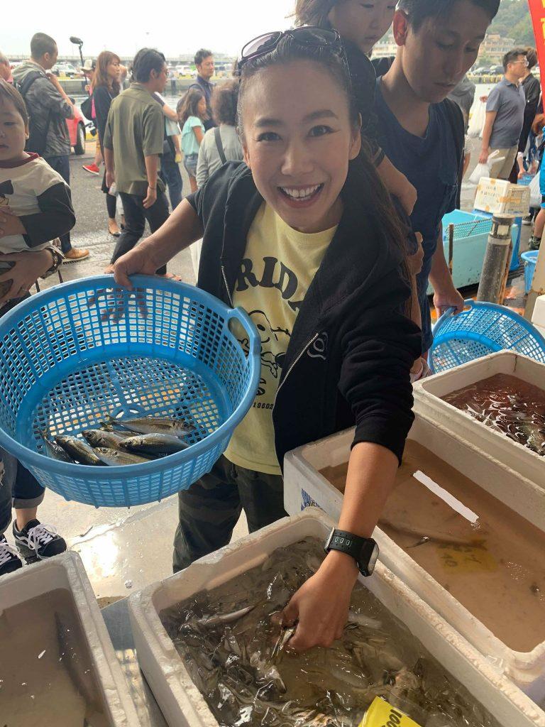 Vào bếp cùng chị Aya: Súp cá hồi hầm rau củ cho ngày Giáng Sinh