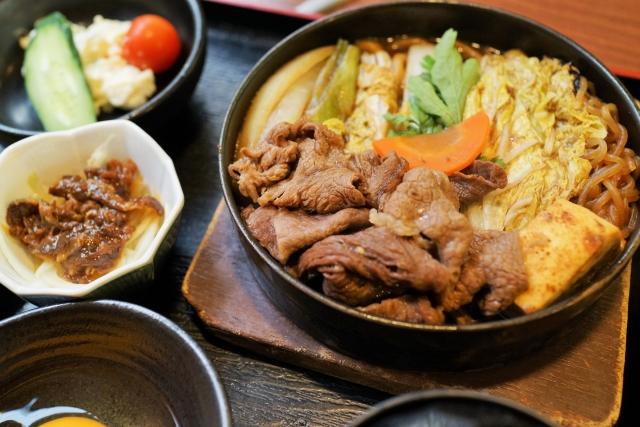 Học cách làm lẩu Sukiyaki của người Nhật