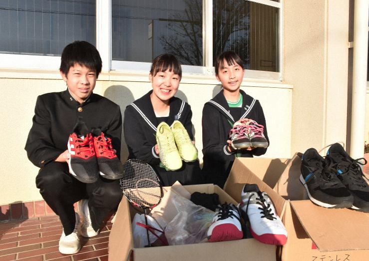 Câu bé Nhật Bản phát động chiến dịch quyên góp giày đá bóng cho bạn bè ở Việt Nam