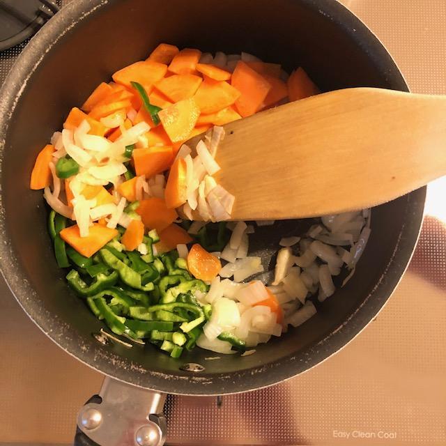 Kyoko's Cooking: 5 phút đi siêu thị mua 5 loại nguyên liệu về nấu súp rau củ trong 5 phút