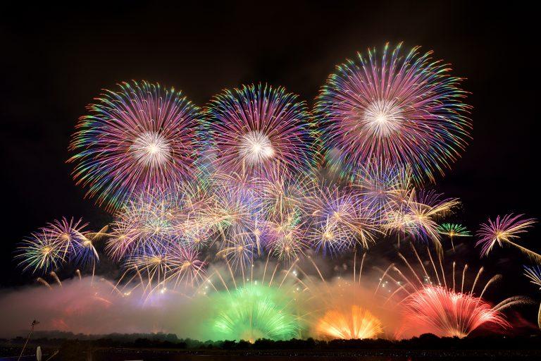 Hôm nay lúc 8 giờ tối, Nhật Bản đồng loạt bắn pháo hoa cổ vũ chống dịch Covid-19