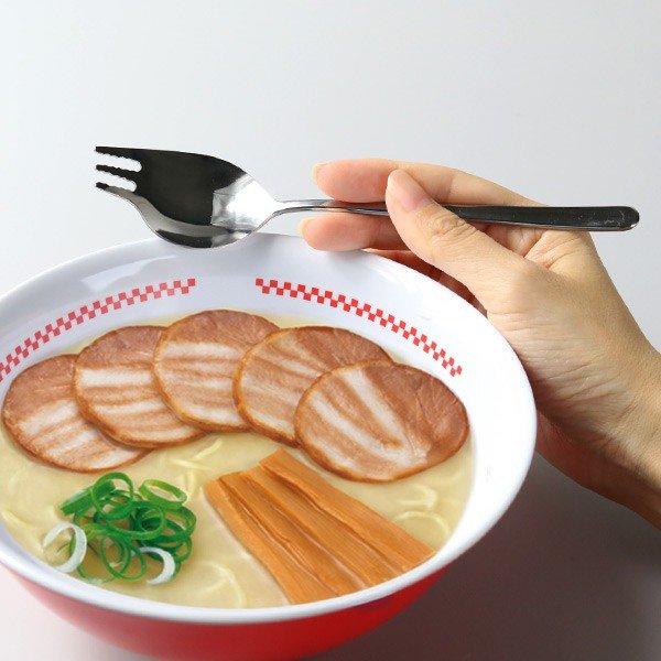 """Kỳ lạ người Nhật và tình yêu """"cuồng điên"""" vì món mỳ"""