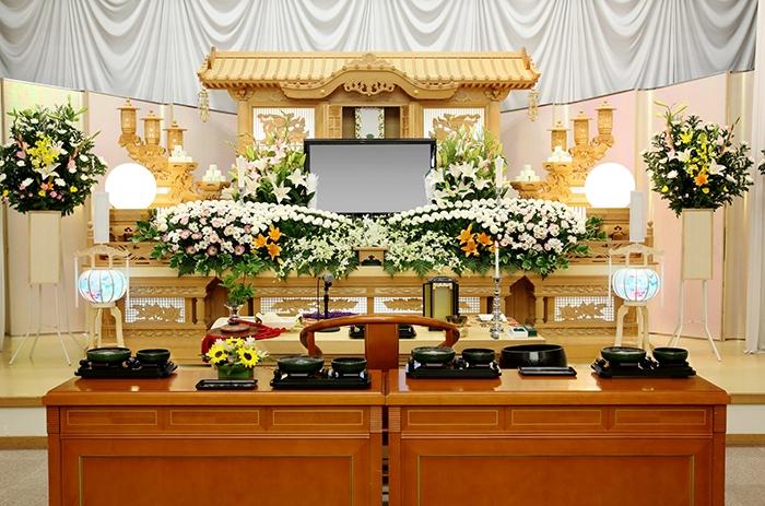 Người Nhật không tổ chức tang lễ, những ngôi mộ cũng sẽ dần mất đi?