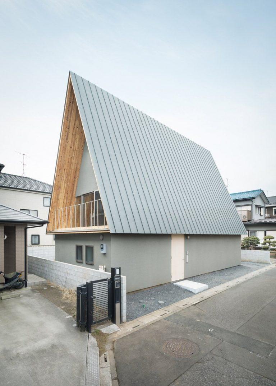 Ngôi nhà có mái cao 7 mét – Nghệ thuật giao thoa giữa ánh sáng và bóng tối