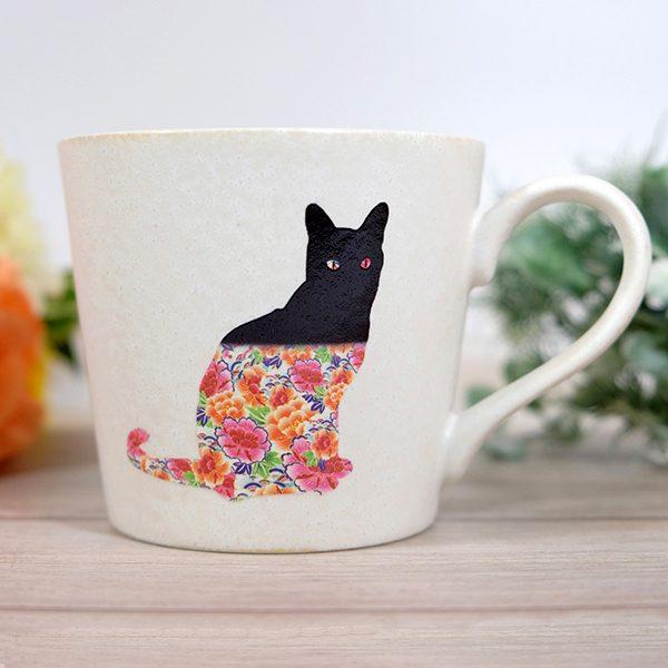 Chiếc ly độc đáo: Quá trình Mèo lột xác, từ đen tuyền thành hoa văn sặc sỡ