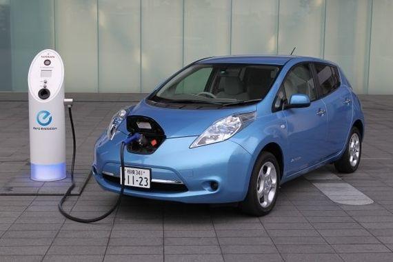 Thế giới đua nhau sản xuất xe điện, tại sao TOYOTA lại lạnh lùng với dòng xe này?