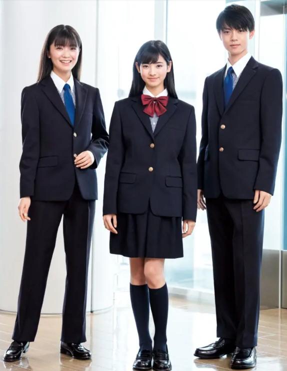 Nhiều trường học Nhật Bản cho phép học sinh mặc đồng phục tự chọn