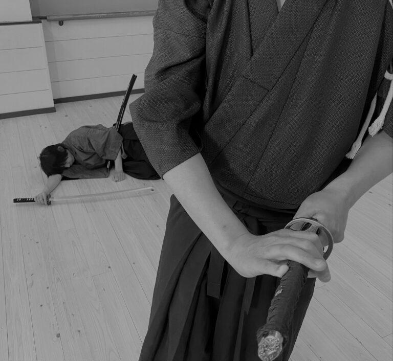 Bài học nghệ thuật: Múa kiếm mùa hè (Phần 3)
