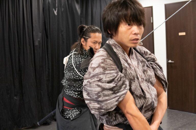 """Kế hoạch """"từng bước"""" vô cùng thông minh của Chính phủ Nhật Bản khiến Samurai tự buông kiếm mà không cần đoạt"""