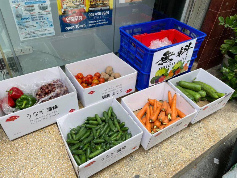 Bất kỳ ai cần cứ đến lấy: Nghĩa cử ấm áp của chủ cửa hàng người Nhật ở thành phố Hồ Chí Minh