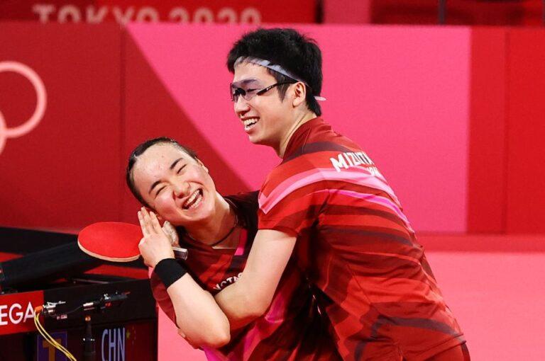 [Tin Olympic] Vượt qua Trung Quốc, bộ đôi Mizutani và Ito giành HCV Olympic đầu tiên môn bóng bàn