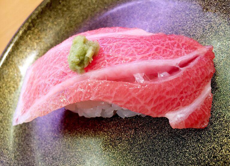 """Hành trình """"lên voi xuống chó"""" của Sushi: từ thức ăn nhanh đến thức ăn thượng hạn rồi lại quay về làm món bình dân"""